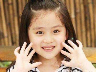 王亭文的爸爸妈妈照片 王亭文微博几岁个人资料图片照片