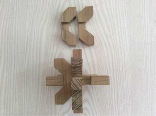 孔明锁梅花图拼装法 9柱梅花孔明锁的解法和图解步骤